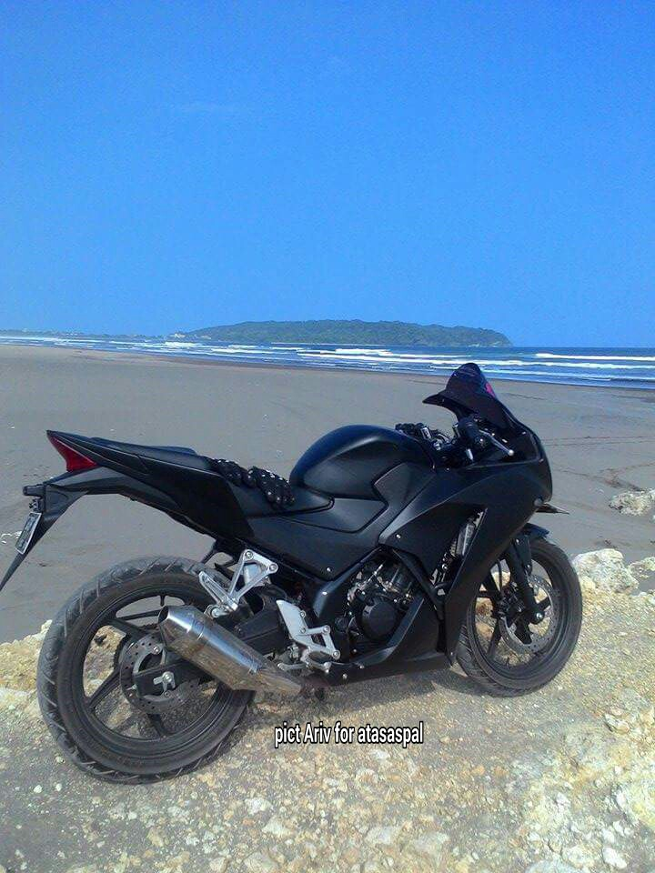 Top modifikasi cbr150r hitam