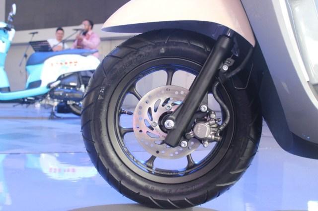 new scoopy roda depan