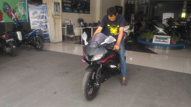 New R15 Hitam