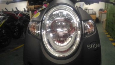 new scoopy stylish black brown headlamp