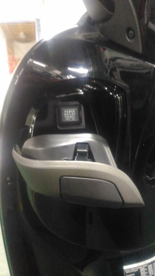 new scoopy stylish black brown hub charger hp