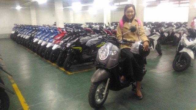 new scoopy stylish black brown model