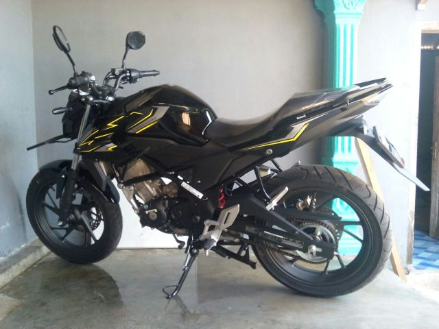 CB150R Wild Black terbaru