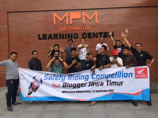 safety riding for blogger pertama di indonesia 2