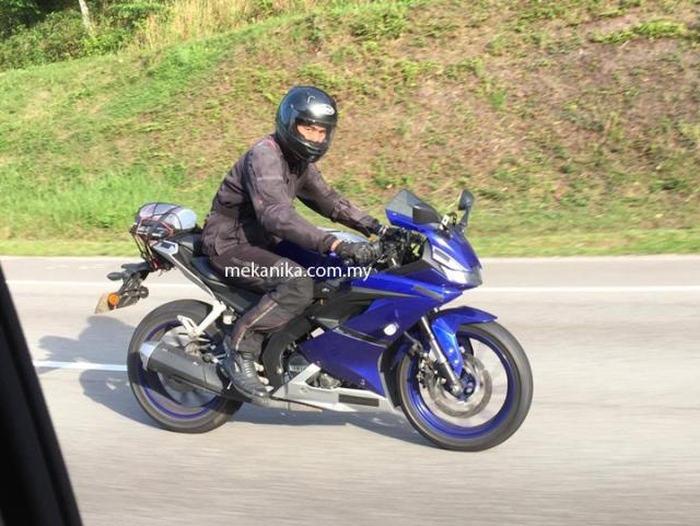 Yamaha-R15-diuji-di-Malaysia