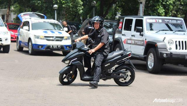 Harga-motor-listrik-Indonesia-skutik-GESITS