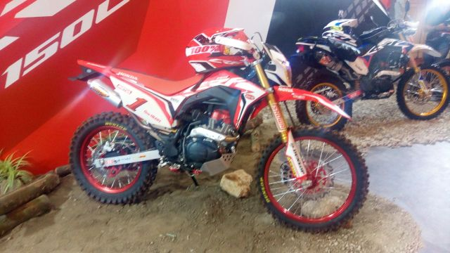 perbandingan crf150l vs klx150