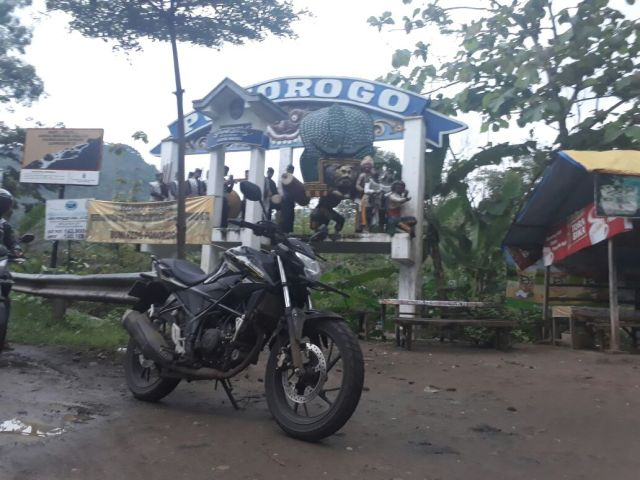riding impression New CB150R 1