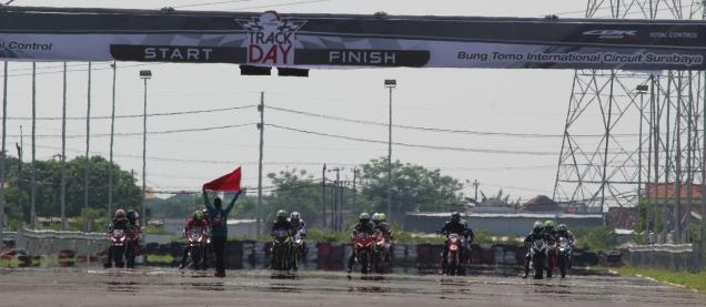CBR250RR Track Day 4