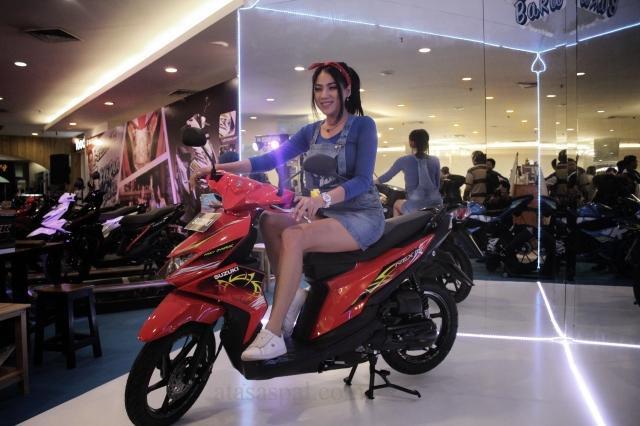 warna Suzuki Nex II merah