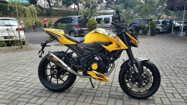 New-CB150R-kuning-bumble-bee